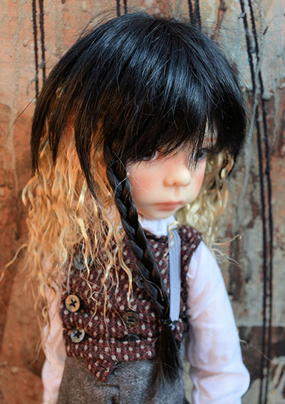 Wig Rivia in evening glow on maurice bjd