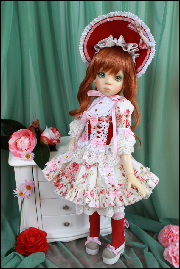 PinkGunDollhouse Petite Rose